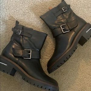 New without box size 10 Kenneth Cole buckle boots